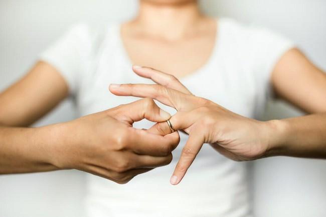 Установление факта расторжения брака, чем подтверждается в суде, какими документами + заявление