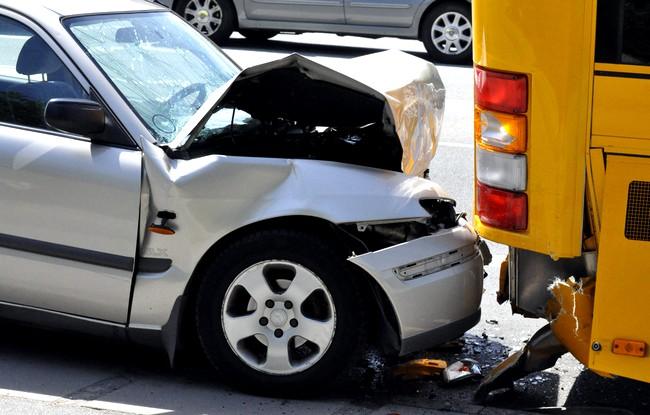 Взыскание морального вреда при ДТП с виновника аварии: практические рекомендации + иск о возмещении компенсации морального ущерба