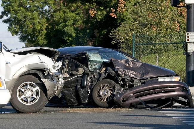 Потеря кормильца в результате ДТП, как получить компенсацию с владельца источника повышенной опасности + иск о возмещении вреда в связи со смертью кормильца в дорожном происшествии