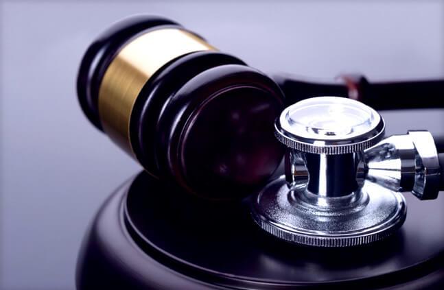 Адвокат по медицинским делам: консультация и услуги