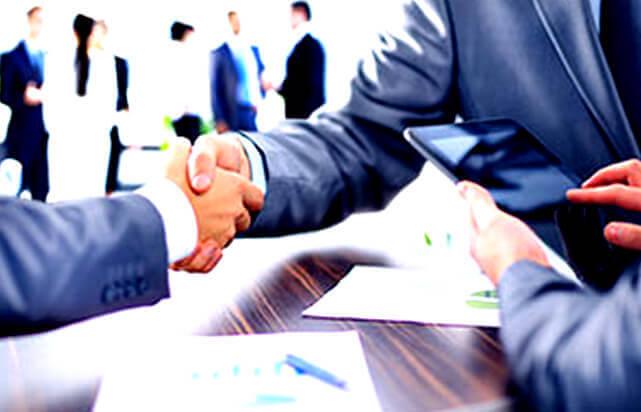 Адвокат по взысканию задолженности по договорам между юридическими лицами и ИП