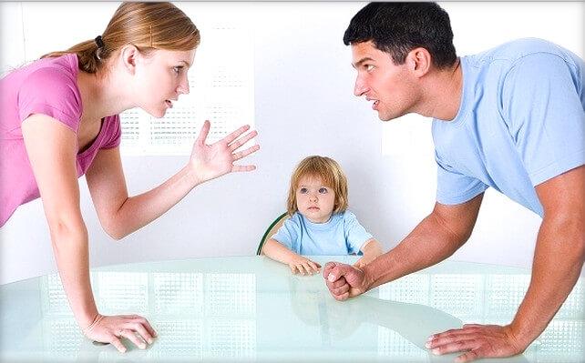 Гражданский муж угрожает забрать ребенка, что делать